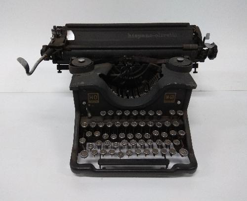 Máquina de escribir Hispano-Olivetti