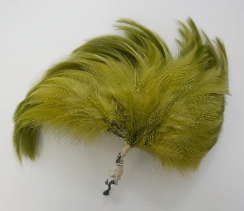 Ramillete de plumas verdes a varios tonos