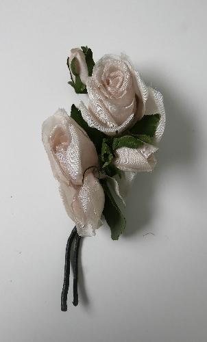 Ramillete de dos rosas y dos capullos
