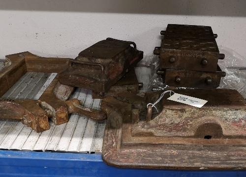 Molde (4), tapa (2), marco (1) baldosa tipo Bilbao