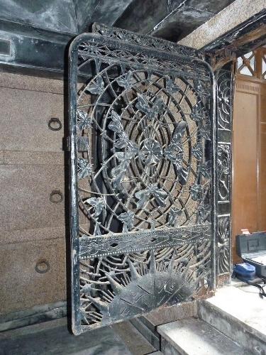 Reja para el panteón de la familia Echevarrieta en el cementerio de Getxo