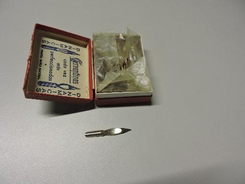 Caja de recambios de puntas de plumas cervantinas