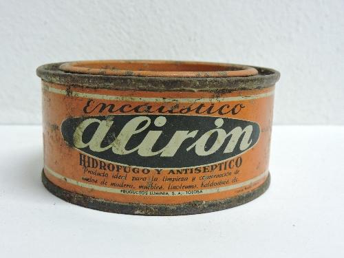 Bote de encáustico de la marca ALIRON (PRODUCTOS LUMINIA S.A.)